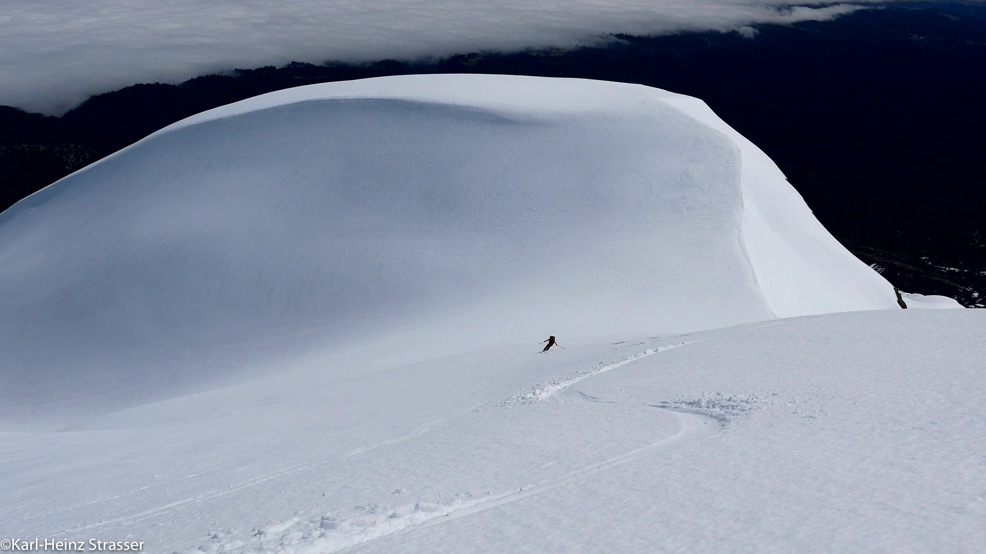Perfekter Firn während der Skitouren in Chile