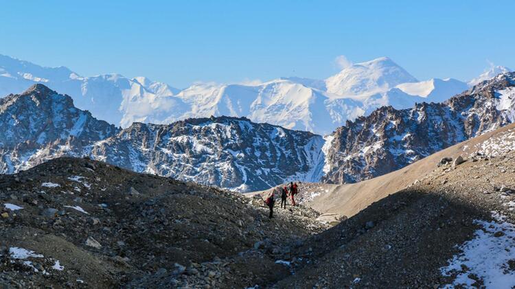 5000er Besteigung Beim Trekking In Kirgistan 1