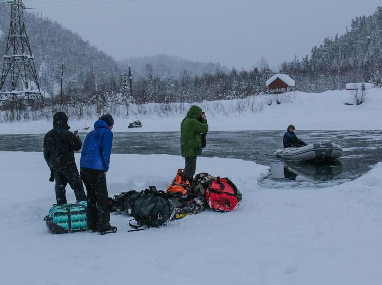 Abenteuerliche Anreise Mit Der Transsibirischen Eisenbahn Zur Skitourenreise