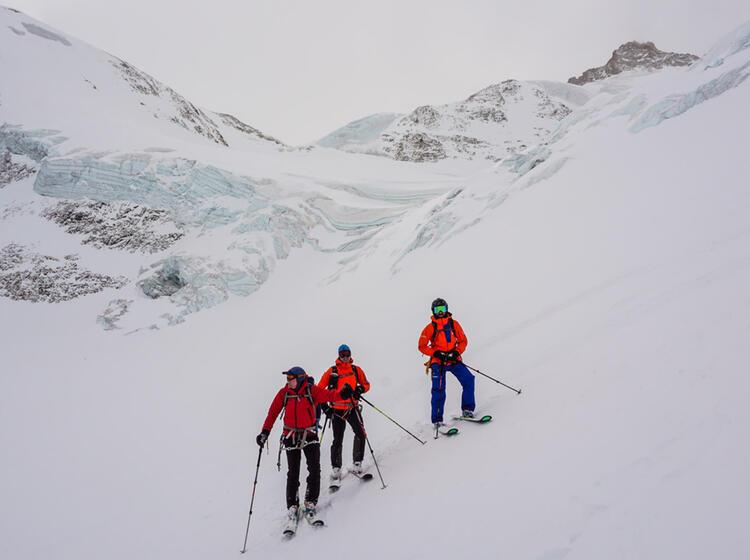 Abfahrt Ueber Den Gletscher Auf Der Tour Du Ciel