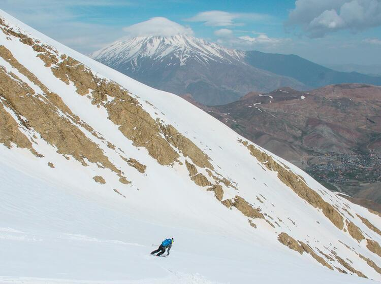 Abfahrt Vom Damavand Auf Der Skitourenreise In Den Iran