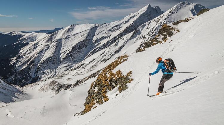 Abfahrtsgenuss Auf Der Skitouren Wochen In Rumaenien