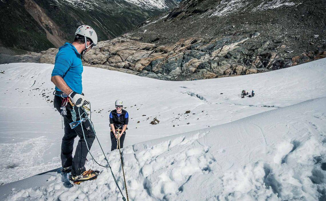 Abseilen Und Spaltenbergung Am Hochtourenkurs Wildspitze