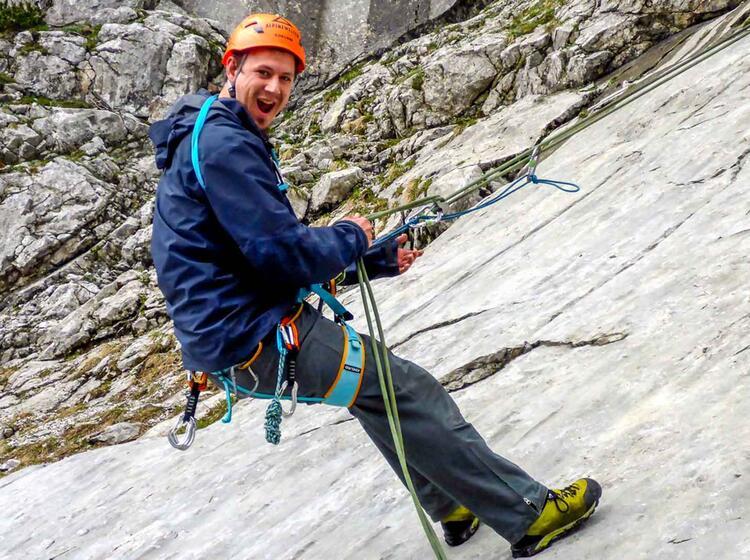 Abseiluebung Am Kletterkurs