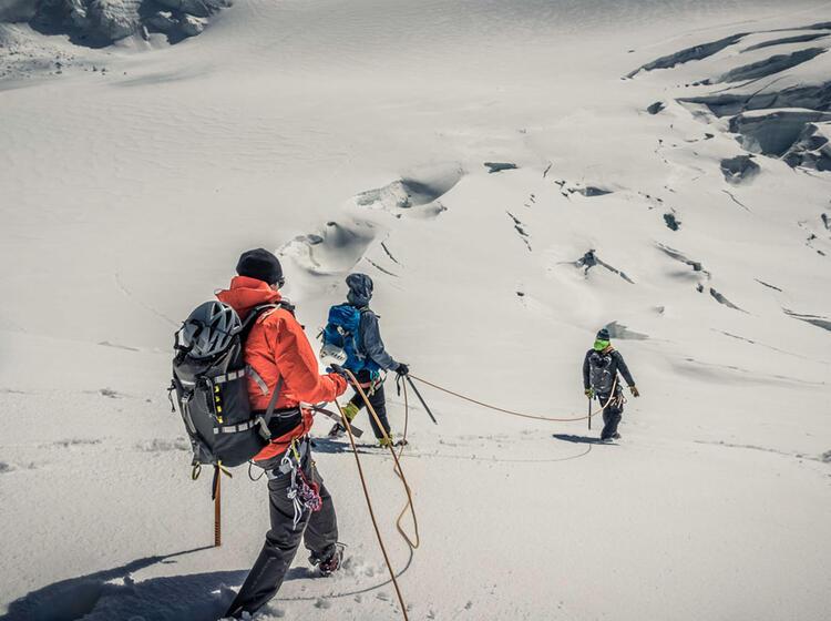 Abstieg Ueber Den Grenzgletscher Zur Monterosahuette Mit Bergfuehrer