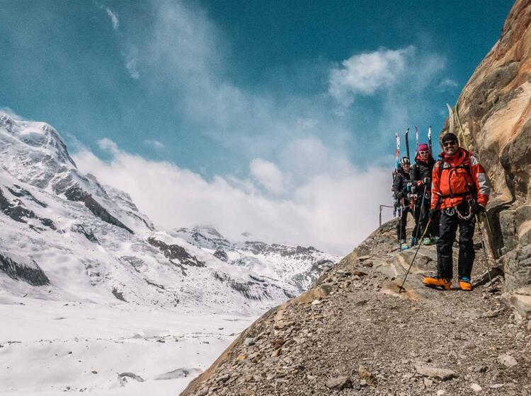 Abstieg Zur Monterosahu Tte Mit Tourenski
