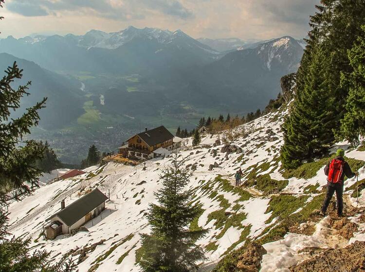 Abstieg Zur Unterkunft Im Chiemgau Auf Dem Salzalpensteig