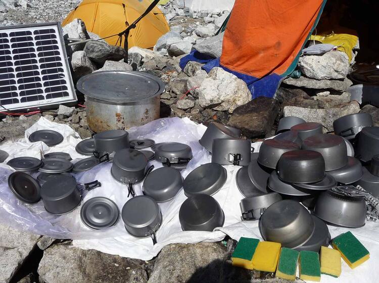Abwasch Auf Der Achttausender Expedition Zum Cho Oyo In Tibet