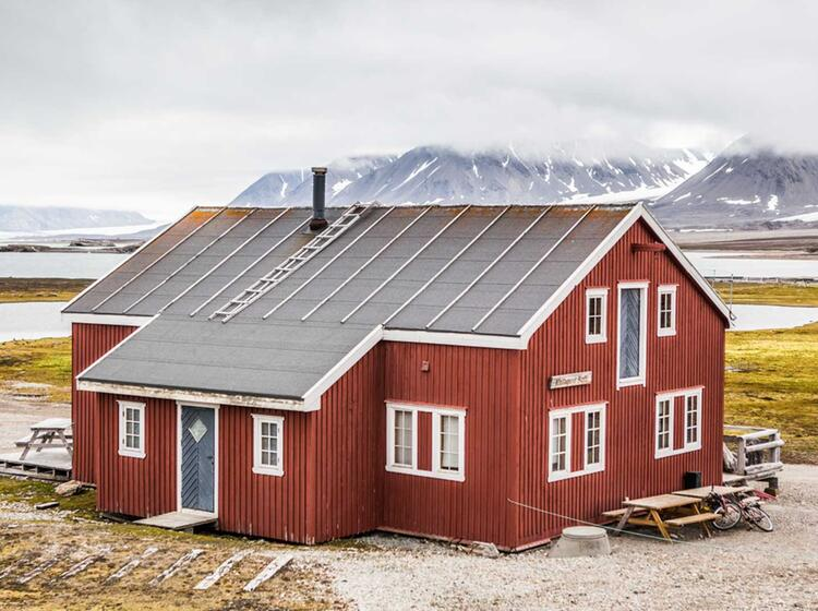 Alte Unterkuenfte Auf Spitzbergen