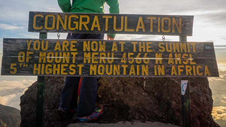 Am Akklimatisations Gipfel Ount Meru