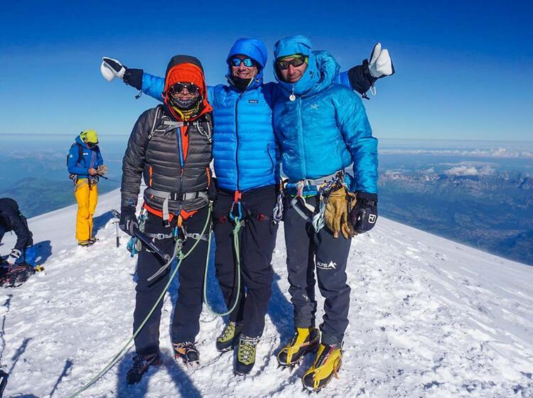Am Gipfel Des Mont Blanc Auf Der Hochtourenwoche Mit Bergfu Hrer