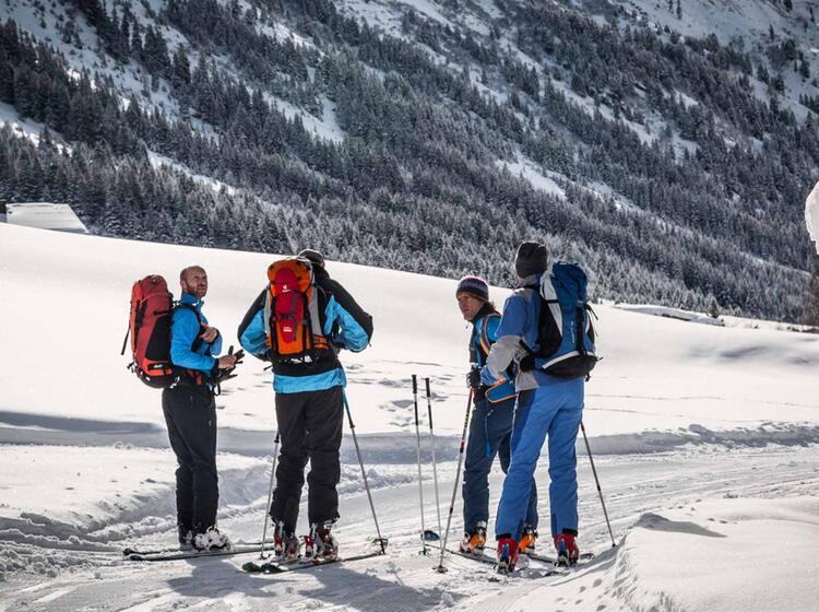 Aufstieg Zur Jamtalhu Tte Am Skitourenkurs Fu R Einsteiger