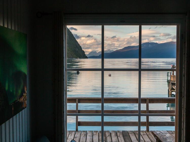 Ausblick Aus Der Lodge In Den Lyngenalpen Nordnorwegen