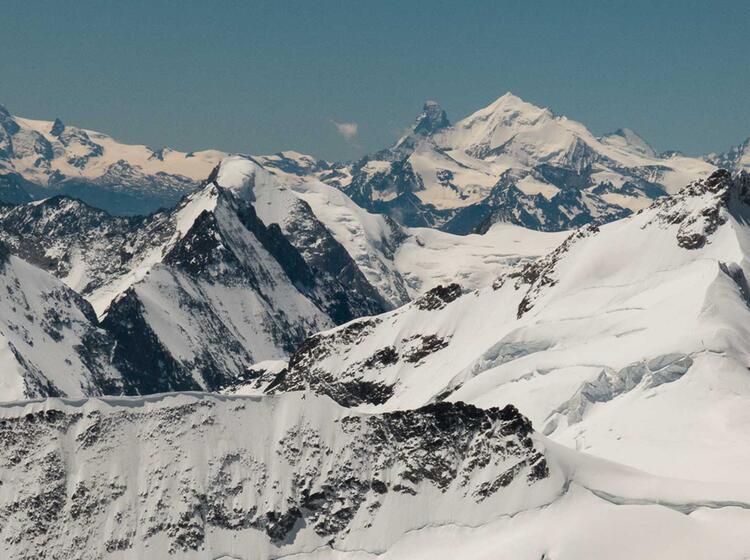 Ausblick Vom Gipfel Des Moench Ins Wallsi Zum Weisshorn Und Matterhorn