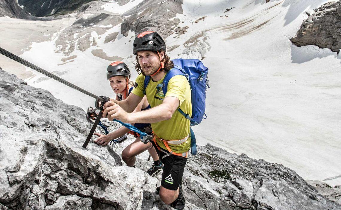 Ausblick Vom Zugspitze Klettersteig Auf Den Hoellental Gletscher