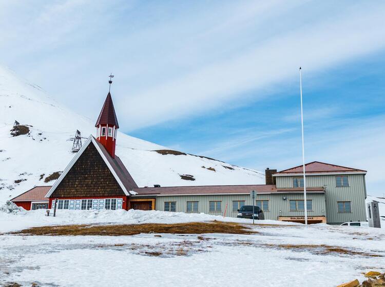 Bergbaustadt Longyearbyen Auf Spitzberngen Bei Der Skitourenreise