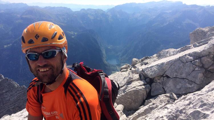 Bergfu Hrer Ju Rgen Brandhuber Beim Klettern