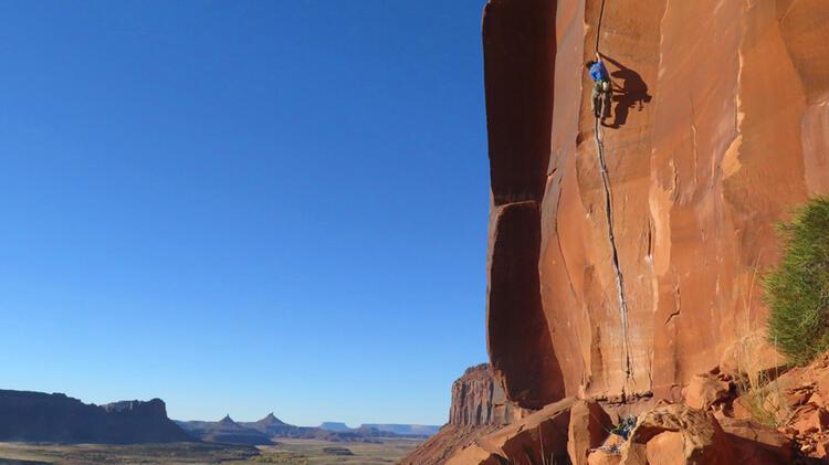 Bergfu Hrer Karpinski Beim Klettern In Den Usa