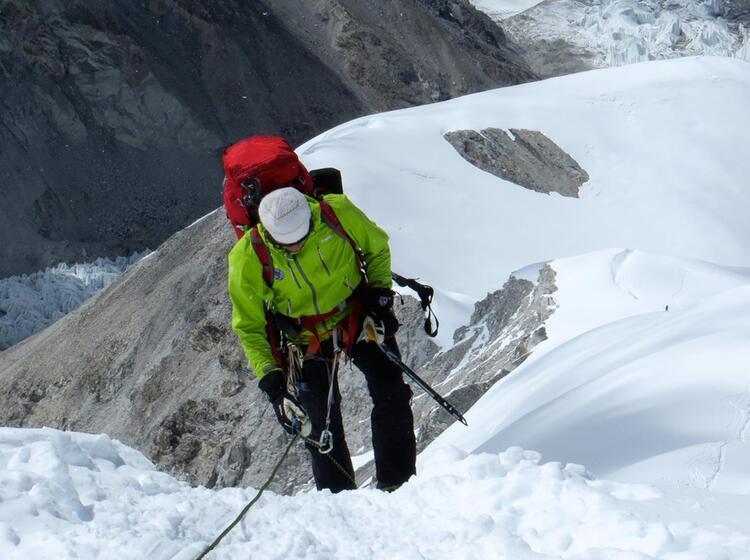 Bergfuehrer Am Fixseil Auf Dem Weg Zum Cho Oyu
