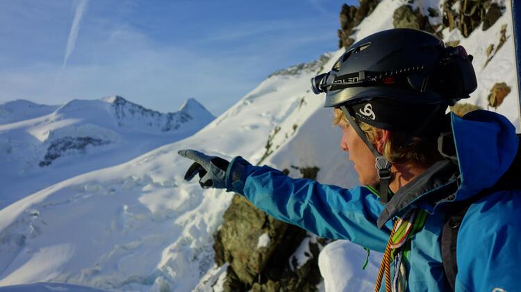 Bergfuehrer Ewald Auf Hochtour Im Wallis