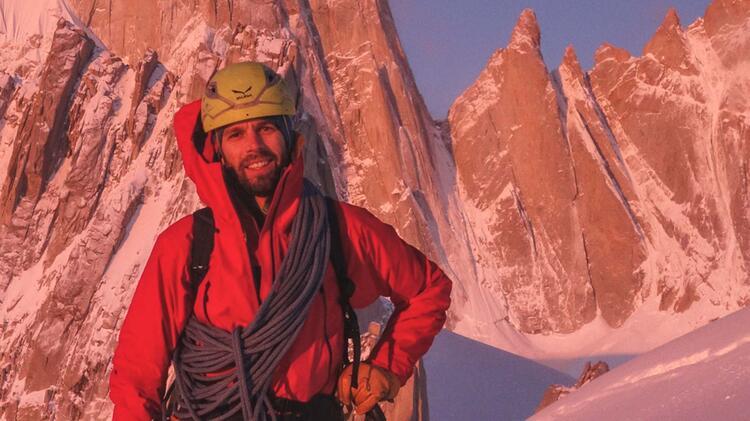 Bergfuehrer Felix Beim Klettern In Patagonien