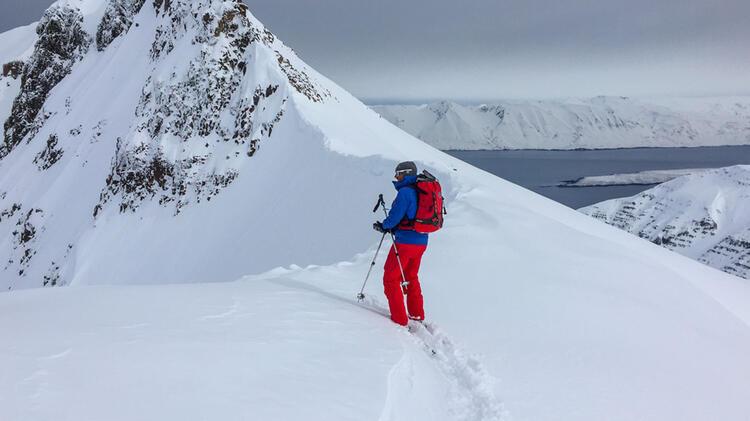 Bergfuehrer Florian Schmdit Auf Der Skitouren Reise Nach Island