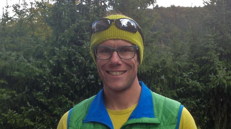 Bergfuehrer Jens Lang Beim Kletterkurs Im Blautal