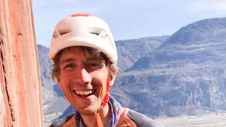 Bergfuehrer Korbinian Beim Klettern Im Sellrain