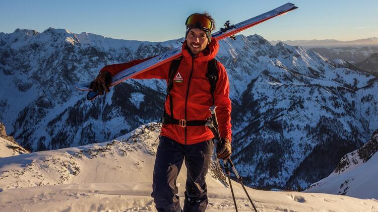 Bergfuehrer Markus Dillmann Auf Skitour Auf Der Pyramidenspitze