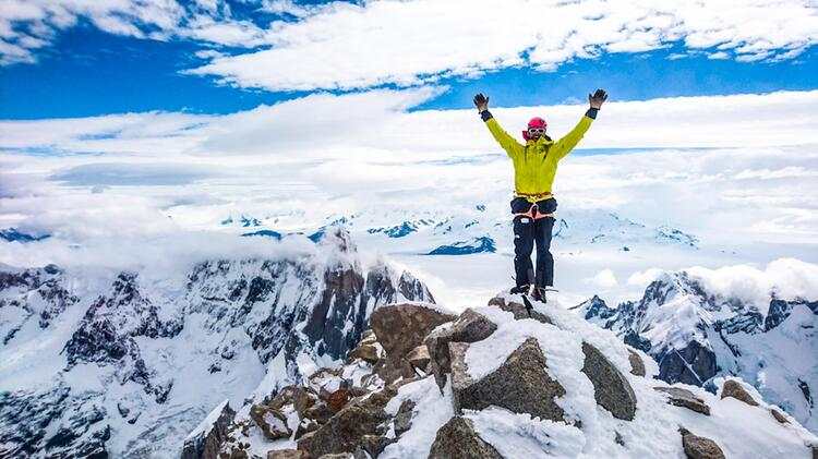 Bergfuehrer Oliver Rohrmoser Beim Bergsteigen In Patagonien