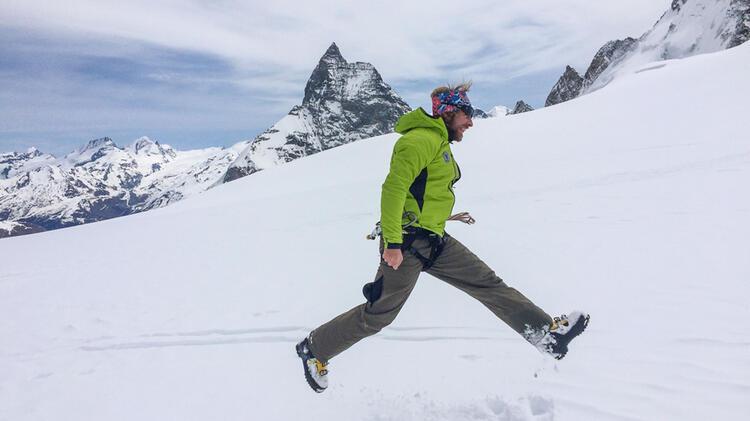 Bergfuehrer Oliver Specht Vor Dem Matterhorn Auf Der Skidurchquerung
