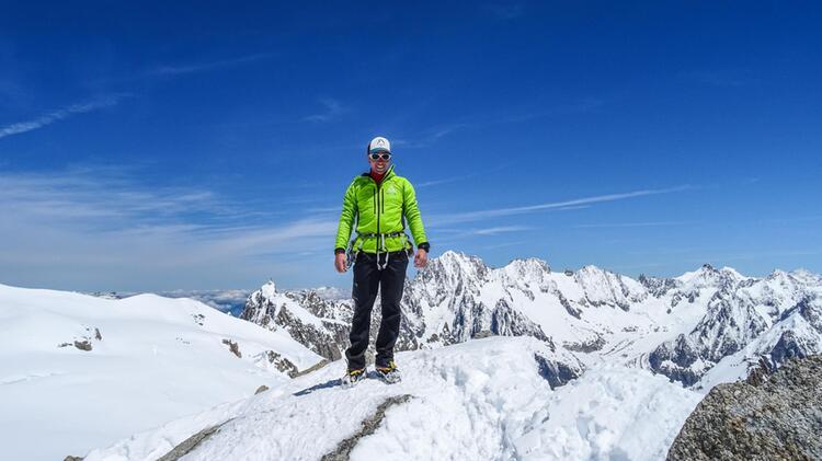 Bergfuehrer Sebastian Fuchs Bei Der Hochtour Auf Den Mont Blanc