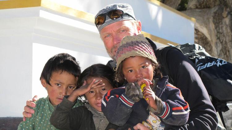Bergfuehrer Sigi Ludwig Beim Trekking In Nepal