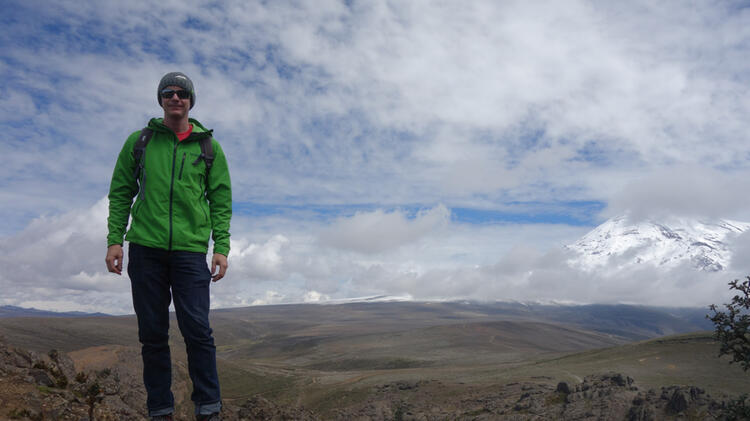 Bergfuehrer Thomas Beim Trekking In Suedamerika