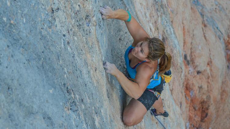 Bergfuehrer Yvonne Koch Beim Kletterkurs 2