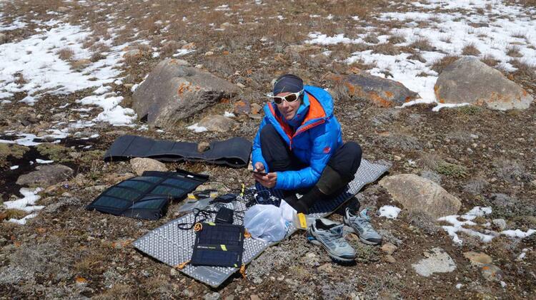 Bergfuehrerin Mirjam Beim Trekking In Norwegen