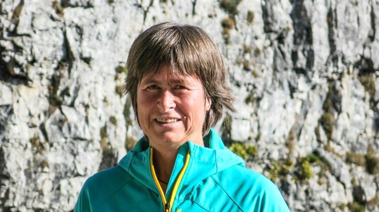 Bergwanderfuehrer Angelika Neubauer Bei Alpinewelten