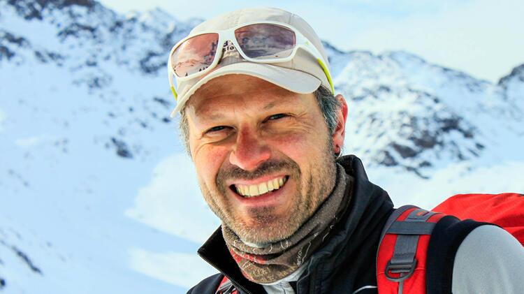 Bergwanderfuehrer Christian Zollner Fuehrt Alpenueberquerungen