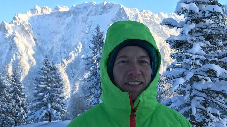 Bergwanderfuehrer Dirk Schulte Auf Schneeschuhtour