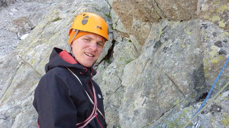 Bergwanderfuehrer Michael Beim Klettern An Der Zugspitze