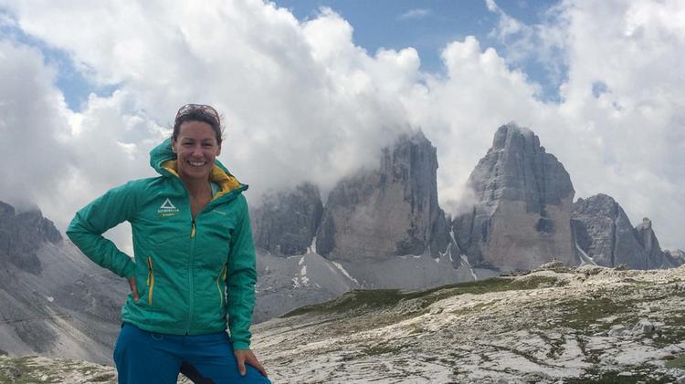 Bergwanderfuehrer Sabine Walch Auf Der Alpenueberquerung