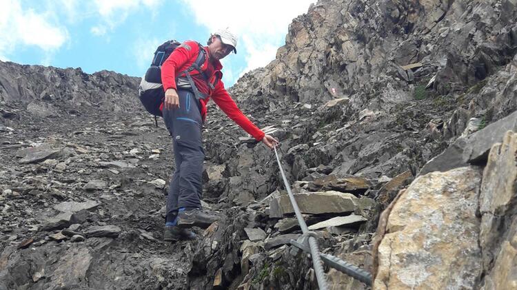 Bergwanderfuehrer Thomas Schill Beim Bergwandern Im Nationalpark Berchtesgaden