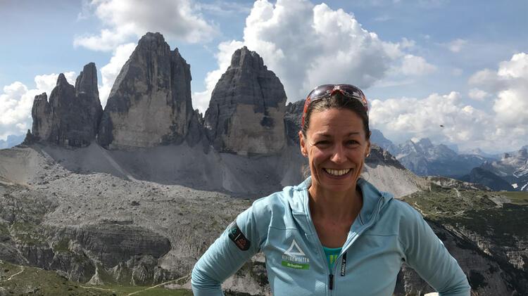 Bergwanderfuehrerin Sabine An Den Drei Zinnen