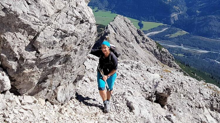 Bergwanderfuehrerin Sabine Auf Dem E5