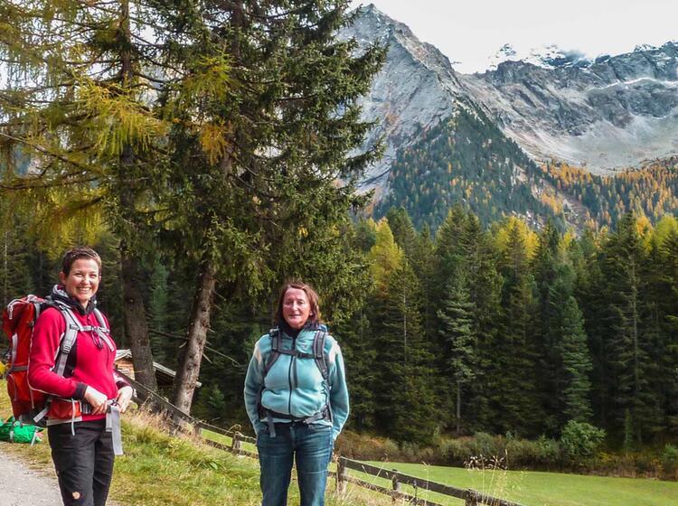 Bergwandern Im Herbst In Suedtirol