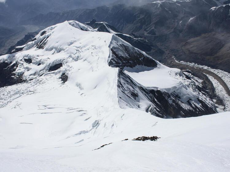 Blick In Die Gipfelflanke Des Himlung Himal
