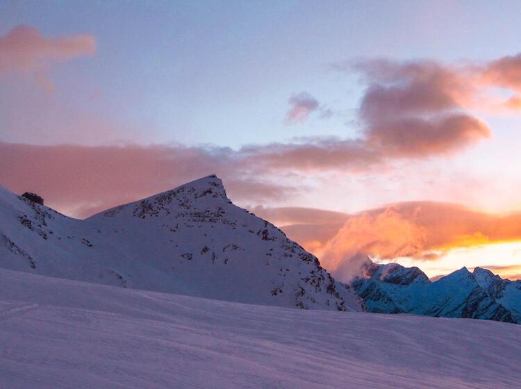 Blick Zuru Ck Zur Britannia Hu Tte Auf Der Skitour Zum Strahlhorn