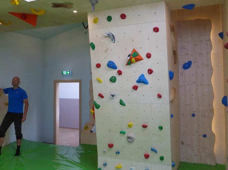 Boulderraum Im Gimpelhaus Beim Alpinkletterkurs Im Tannheimertal