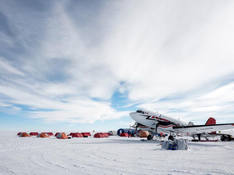 Camp Am Su Dpol Mit Basler Flugzeug Ale 47073432485