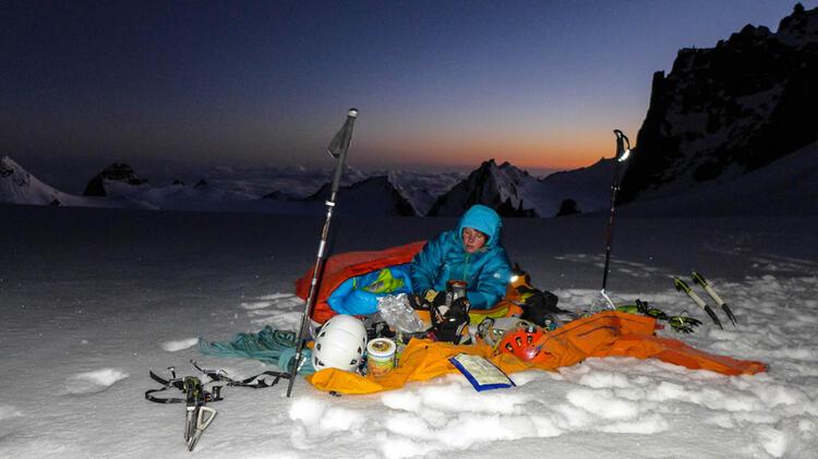 Charlotte Gild Ist Bergfuehrer In Chamonix Am Mont Blanc